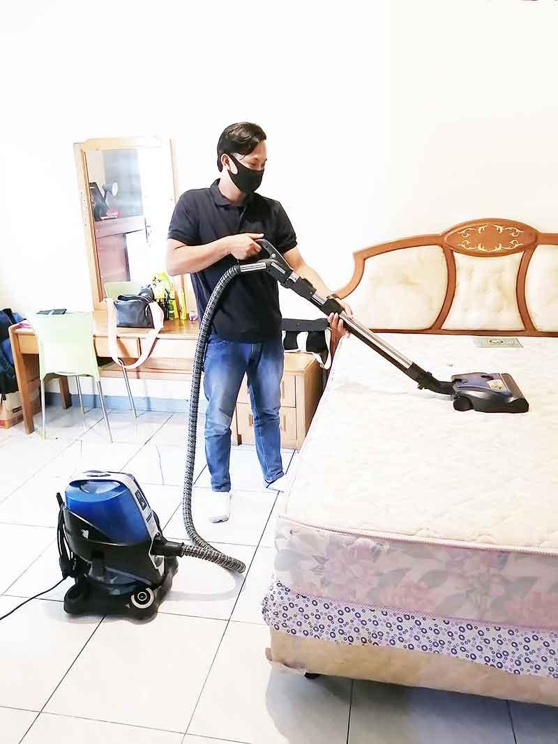 jasa bersih rumah sedot tungau by keyclean